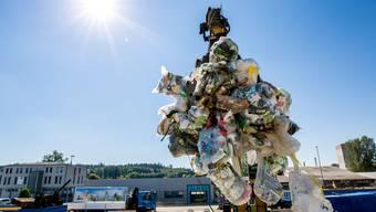 Hier in Lohn-Ammannsegg sammelt die Firma Neuenschwander Kunststoff-Abfall, bevor dieser ins Ausland kommt. Dieses Sammelsystem ist umstritten.