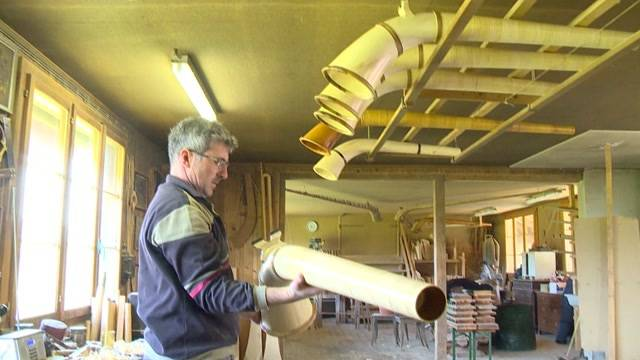Traditionelle Berufe — Der Aplhornbauer