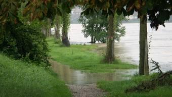 Wallbach, 22. August 2005: Wenn der Rhein schnell ansteigt, dann ist im Fricktal am ehesten in Wallbach mit Überschwemmungen zu rechnen.