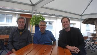 Pfarrer Marcel Horni, Präsident Markus Arnold und der neue Co-Präsident Silvan Granig (von links).