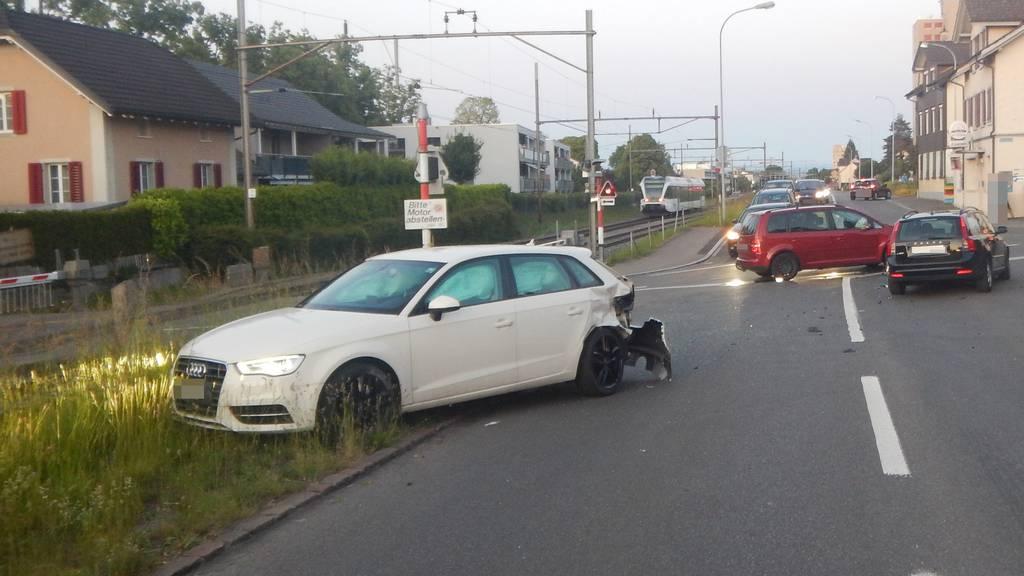 Sechs Verletzte bei Crash zwischen drei Autos