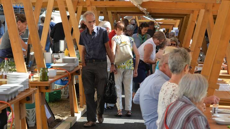 Festessen zum Ende des Projekts Erntema(h)l beim Solothurner Kunstmuseum