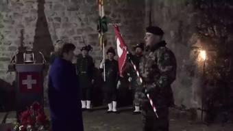 Mit einer Zeremonie im Schloss Chillon am Genfersee ist am Donnerstagnachmittag die Stabübergabe vom alten zum neuen Chef der Schweizer Armee besiegelt worden.