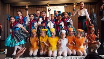Die Tänzerinnen der Spectacolo Dance Academy qualifizierten sich für die Tanzweltmeisterschaft in Offenburg.