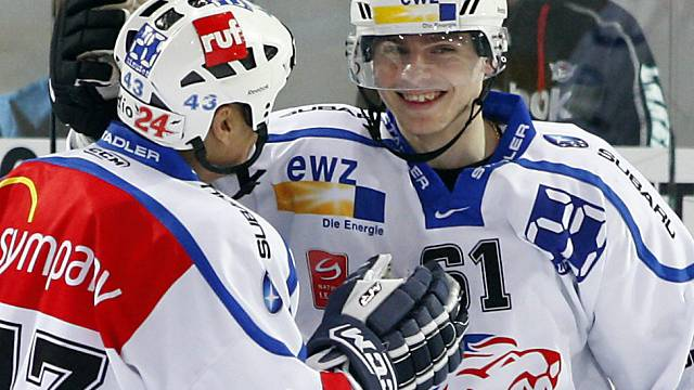 2009: Alexej Krutow (r.) im Dress der ZSC Lions