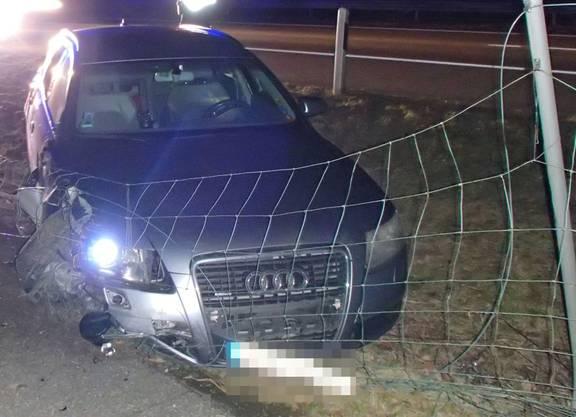In Möhlin griff die Polizei den Unfallfahrer mit Schürfungen und dem passenden Autoschlüssel auf.