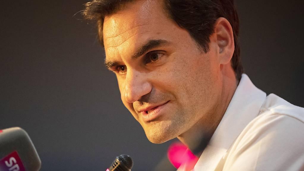 Roger Federer kündigt den Organisatoren des Australian Open seine Teilnahme an.