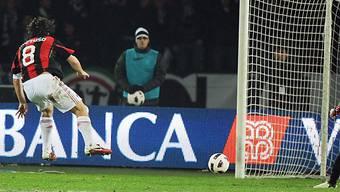 Gennaro Gattusos Schuss bezwingt Gianluigi Buffon
