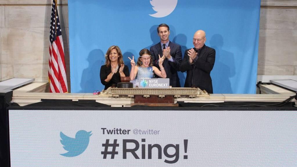 Die Börse applaudiert dem Kurznachrichtendienst Twitter – wie damals beim Börsenstart im November 2013. Die Aktie legte nachbörslich um 7 Prozent zu. (Archivbild)