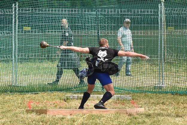 Eine der Disziplinen der Highland Games: Gewichtweitwurf.
