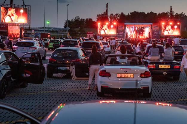 Das Auto als Surround-Anlage: Die Musik konnte direkt über die Lautsprecher im eigenen Wagen gehört werden.