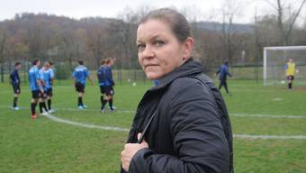 Vor Ort: «Zoffstopp»-Leiterin Bianca Jasmund will auf den Fussballplätzen der Region präsent sein. (hdu)