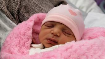 2019 ist ihr Jahr: 15 Stunden nach ihrer Geburt schläft Aline Assaf zufrieden.