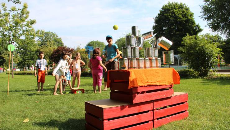 150 Kindergärtler hatten viel Spass beim Sporttag in der Badi Wohlen