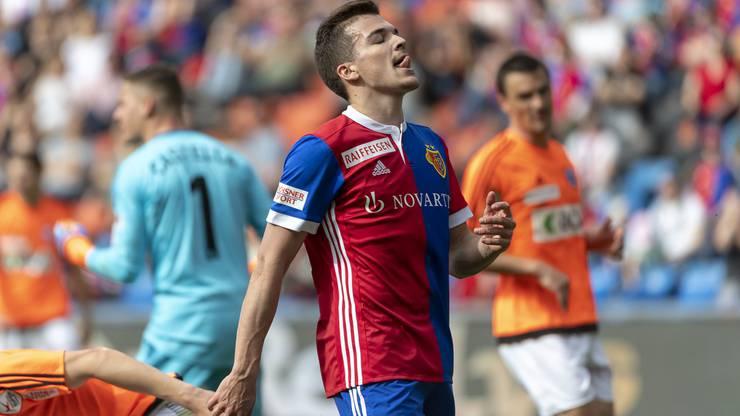 Basels Kevin Bua ärgert sich nach einer verpassten Chance.