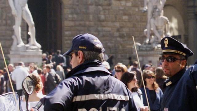 Polizisten in Florenz: Der mutmassliche Millionenbetrüger Florian Homm wurde in den Uffizien festgenommen (Symbolbild)