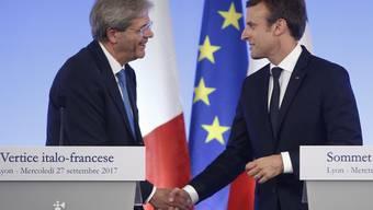 Italiens Regierungschef Gentiloni (links) gefallen die Reformvorschläge des französischen Präsidenten Macron (rechts) für die EU.