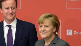 Cameron und Merkel eröffnen die CeBit in Hannover