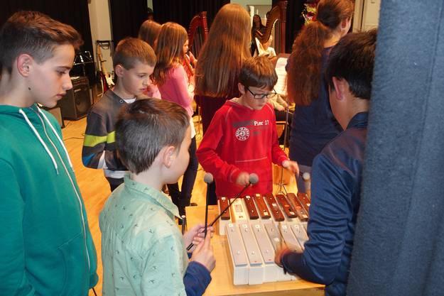 Ein breites Spektrum an Musikinstrumenten kam zum Einsatz, von der Harfe bis zum Xylophon