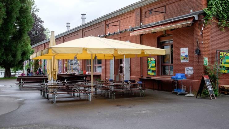 Nach einer Klage von Anwohnern musste das Restaurant «Ziegel oh lac» die Plätze in der Gartenbeiz von 160 auf 96 reduzieren.