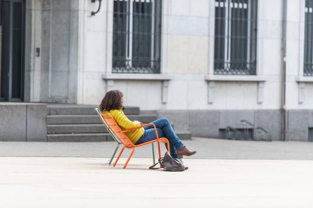 Einweihung der Stühle auf dem Marktplatz Grenchen