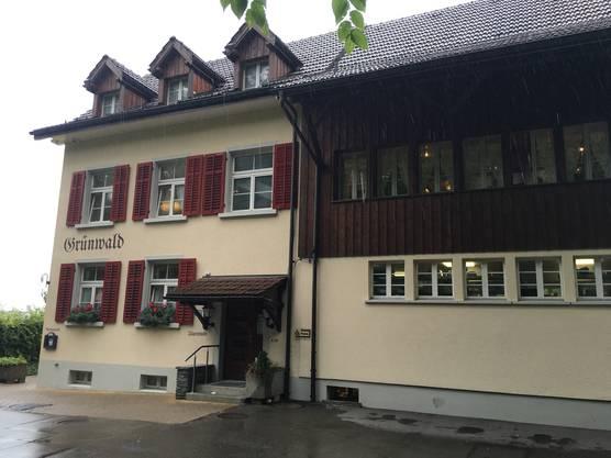 Das Restaurant Grünwald, zwar auf Stadtzürcher Boden, aber eines der favorisierten Restaurants von Peter Menzi