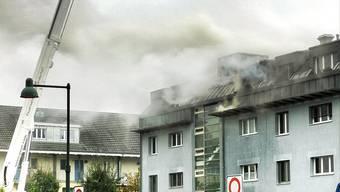 In Reinach geriet eine Dachwohnunng in Vollbrand..