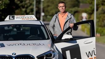 Reto Wüthrich erklärt, wie sich der Alltag der Fahrlehrer aufgrund der Schutzmassnahmen verändert