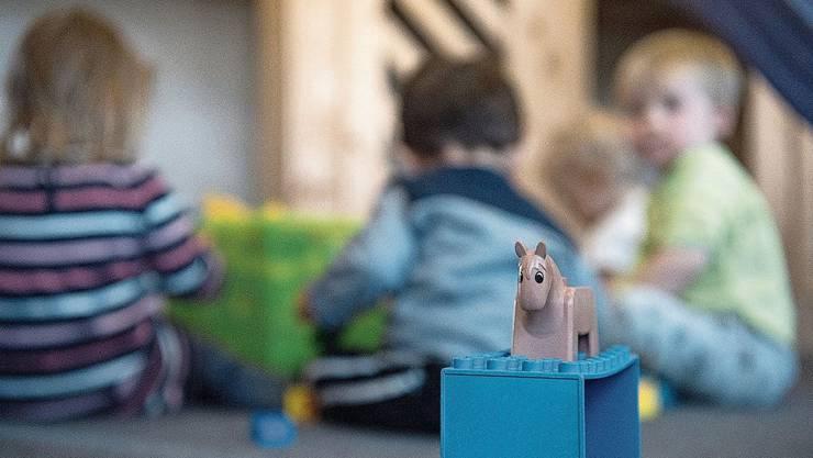 Künftig sollen in der Stadt Solothurn nicht mehr einzelne Kindertagesstätten unterstützt werden, sondern die Eltern mit Betreuungsgutscheinen.