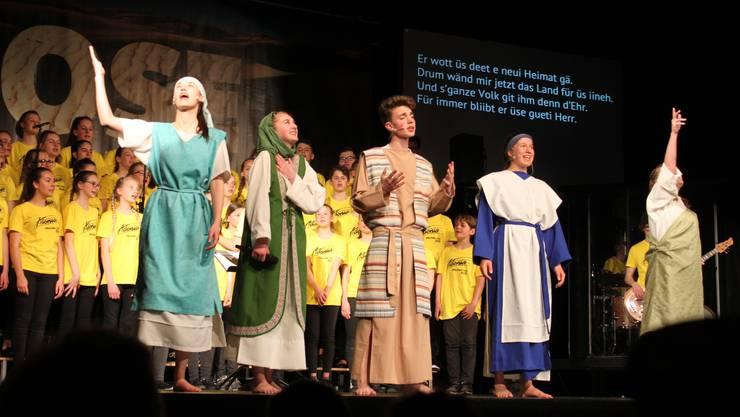 Die Jugendlichen spielen die Odyssee der Israeliten durch die Wüste