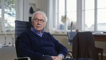 Der Theaterregisseur Werner Düggelin, hier im Jahr 2009, feiert am 7. Dezember 2019 den 90. Geburtstag. (KEYSTONE/Gaetan Bally)