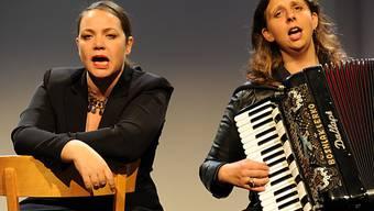 Kabarettistinnen Nicole Knuth und Olga Tucek (Archiv)