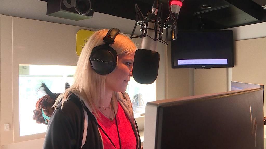 Alpakas zu Besuch im Radio 32 Studio