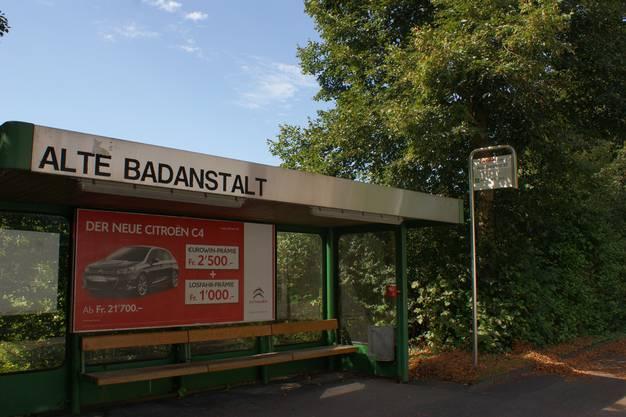 An die Alte Badeanstalt an der Erlinsbacherstrasse erinnert heute nur noch die gleichnamige Bushaltestelle.