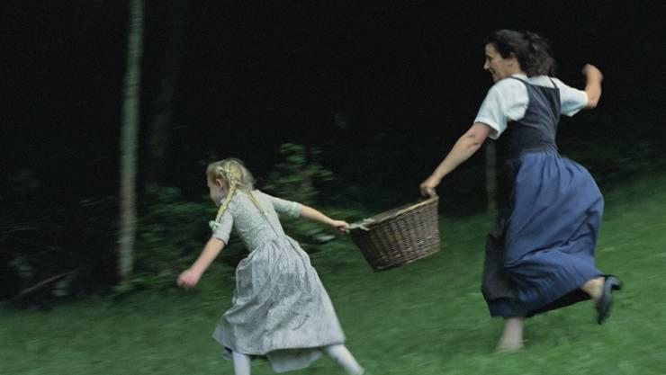 Anna Göldin war Dienstmagd. Nachdem Stecknadeln im Frühstück der Tochter des Hauses gefunden wurden, wurde sie fortgejagt.
