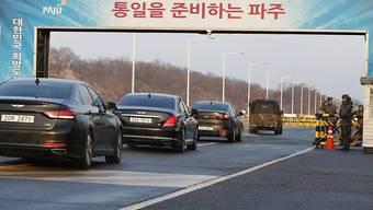 Unterhändler aus Süd- und Nordkorea haben am Dienstag die ersten Gespräche zwischen den beiden Ländern seit zwei Jahren im Grenzort Panmunjom begonnen.