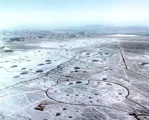 Die von Kratern übersäte Yucca Flat.