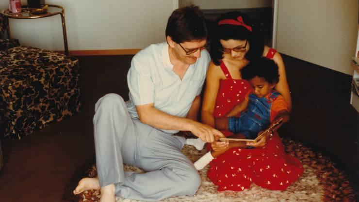 Bilder vom frühen Glück: 1982 gingen Tanners noch davon aus, dass bei der Adoption ihrer Tochter alles rechtens verlief.