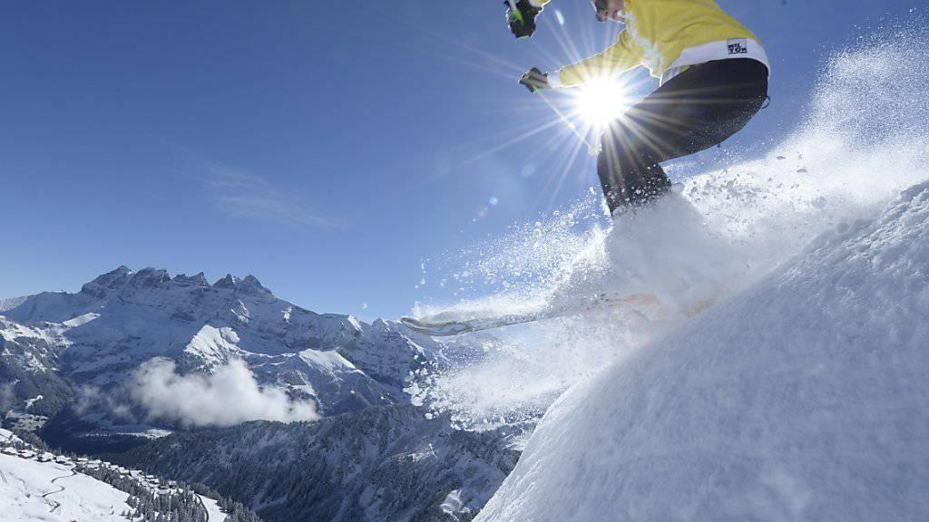 Mit einem Ausbildungsprogramm will ISTA die Kenntnisse und Fähigkeiten alpiner Sportler verbessern, damit sie Gefahren ausserhalb markierter Pisten besser einschätzen und einschätzen können. (Archivbild)