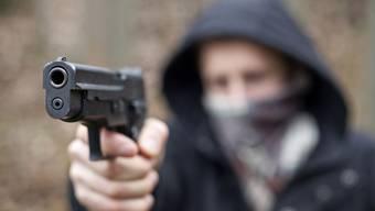 Die Spielzeugpistolen der Täter  von einem Augenzeugen als solche erkannt.