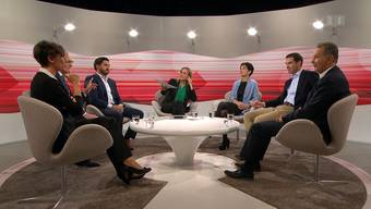 Die Aargauer Ständeratsmitglieder Pascale Bruderer (SP, vorne links) und Philipp Müller (FDP, vorne rechts) mit ihren aussichtsreichsten möglichen Nachfolgern im Stöckli im SRF-«Club». Bild: Screenshot