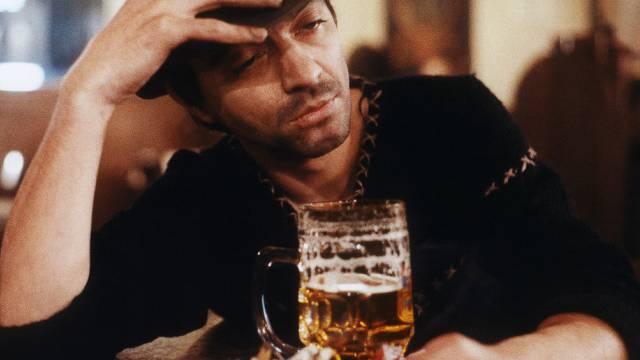 Der Lenker war alkoholisiert und stand unter Drogeneinfluss.  (Symbolbild)