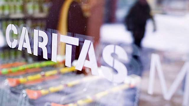 Hilfswerke wie Heks und Caritas wollen nicht, dass Asylsuchende von dritten Firmen beraten werden.