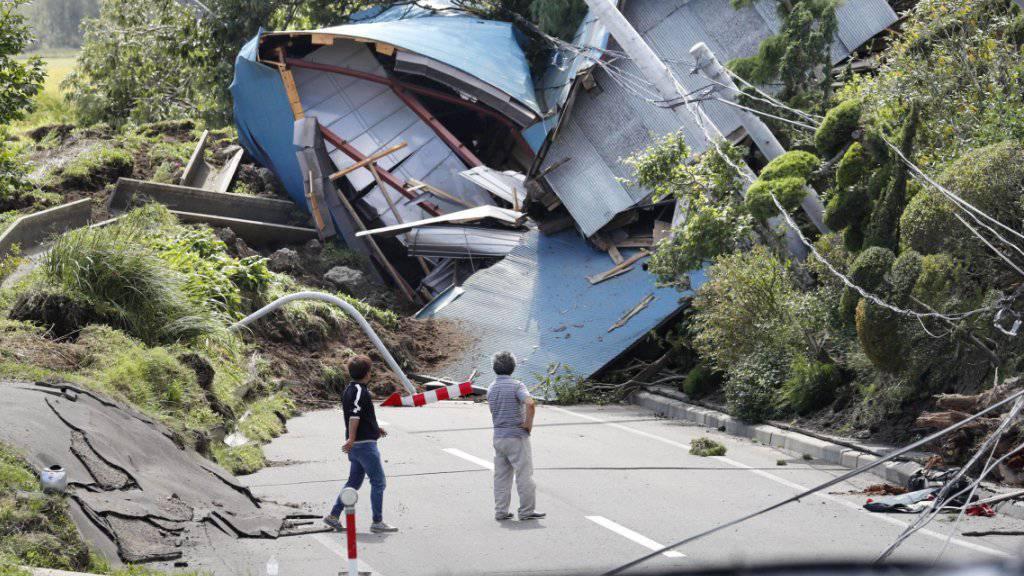 Erdbebenschäden auf der japanischen Insel Hokkaido vom Donnerstag.