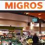Die Migros will noch bis Ende Jahr Plastik-Einweggeschirr aus ihren regalen verbannen. Den Kunden werden im Gegenzug umweltfreundlichere Produkte angeboten.(Archivbild)