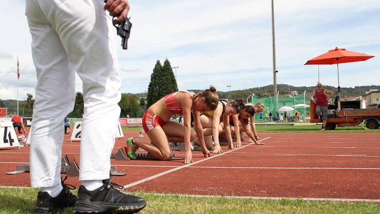 Mit ein bisschen Nachdruck geht es schneller....... Nachwuchs-Leichtathletik in Zofingen
