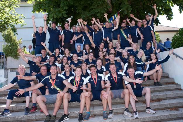 Die Turner vom TV Beinwil Freiamt sind sichtlich mit Freude überströmt. Kategorie Teamwettkampf Aktiven 3.Rang ü35 4.Rang Jugend 2. Stärkeklasse 8.Rang