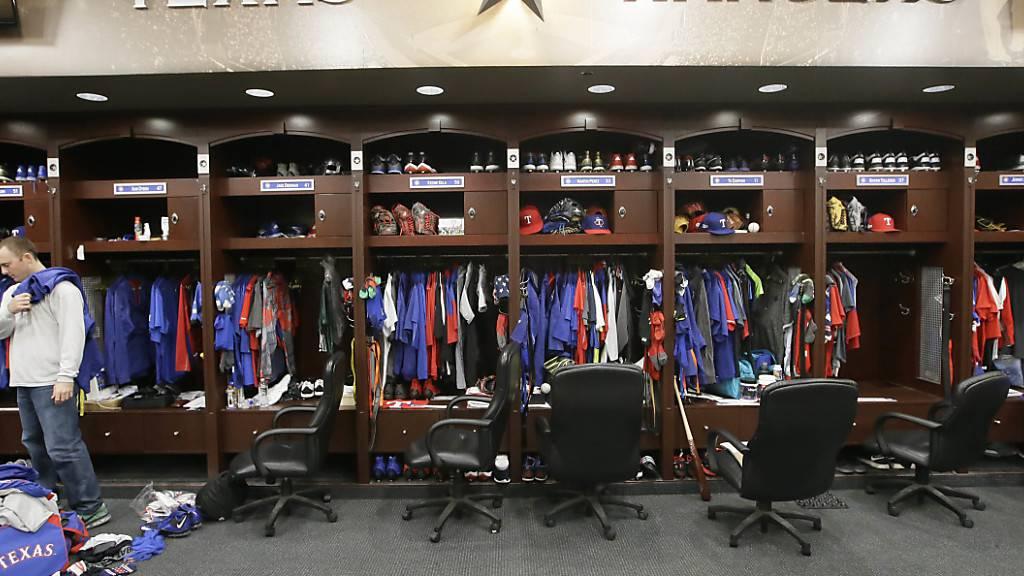 Die Garderobe des Baseball-Teams Texas Rangers: Nur noch Spieler und Betreuer dürfen rein