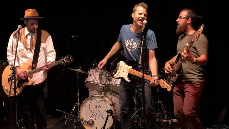 Die Band Mike Eric verabschiedet Kim Ferrari (rechts).