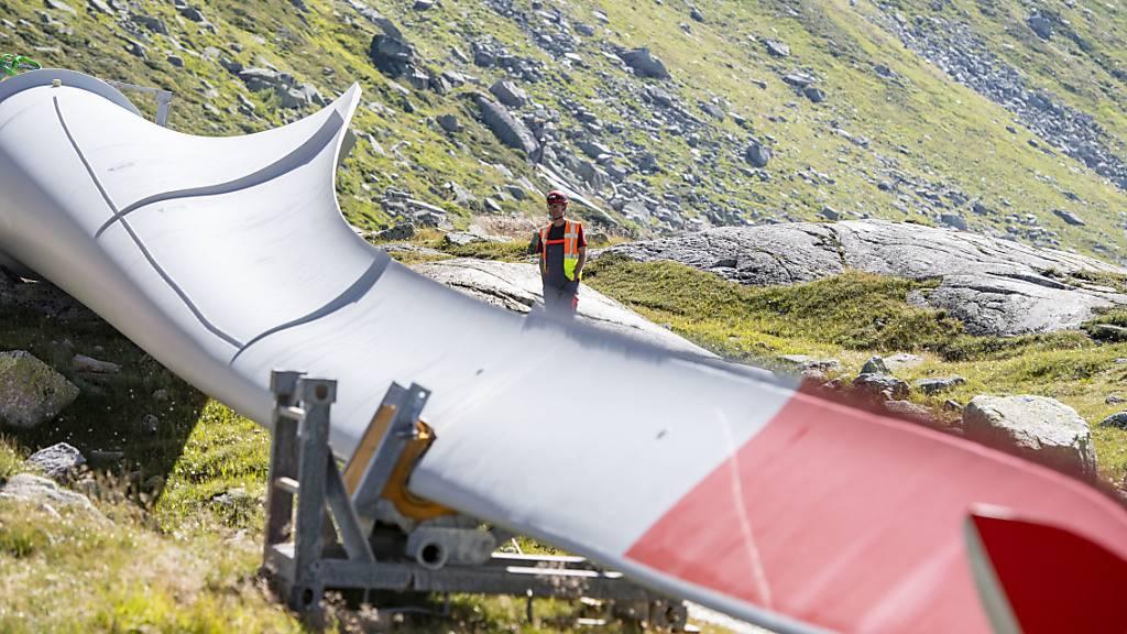 Dritte Windturbine auf dem Gotthardpass montiert